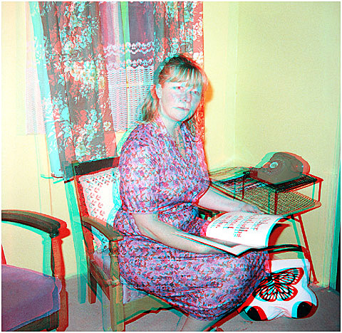 Mrs Johnston at home. 3-D Photography by Marc Dawson
